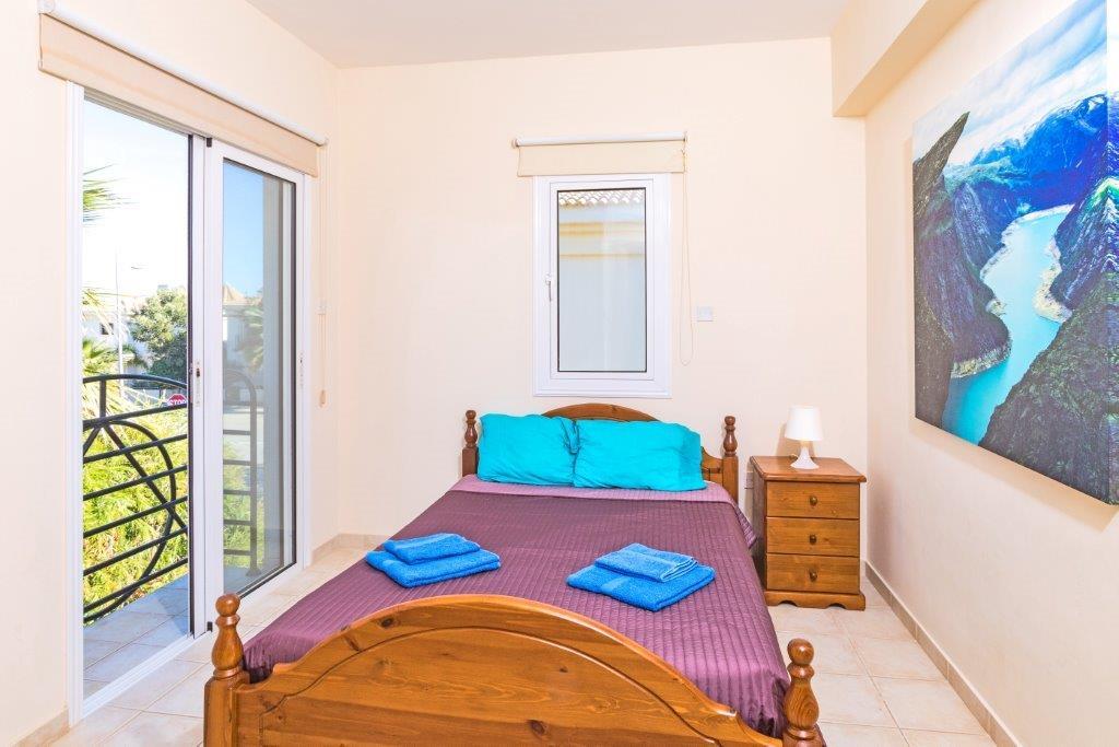 Спальня номер 3 в шикарном доме на продажу