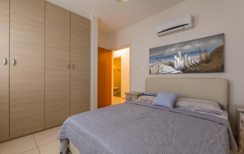 Одна из спален в квартире в Ларнаке