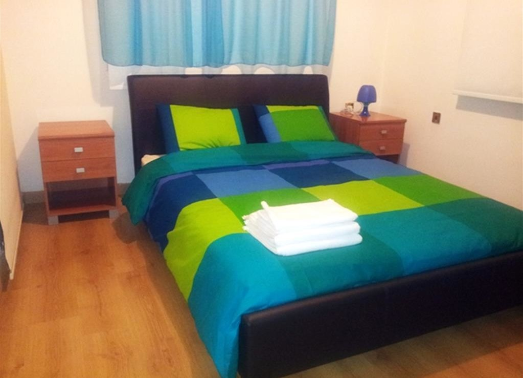 Спальня в трехспальном доме на продажу