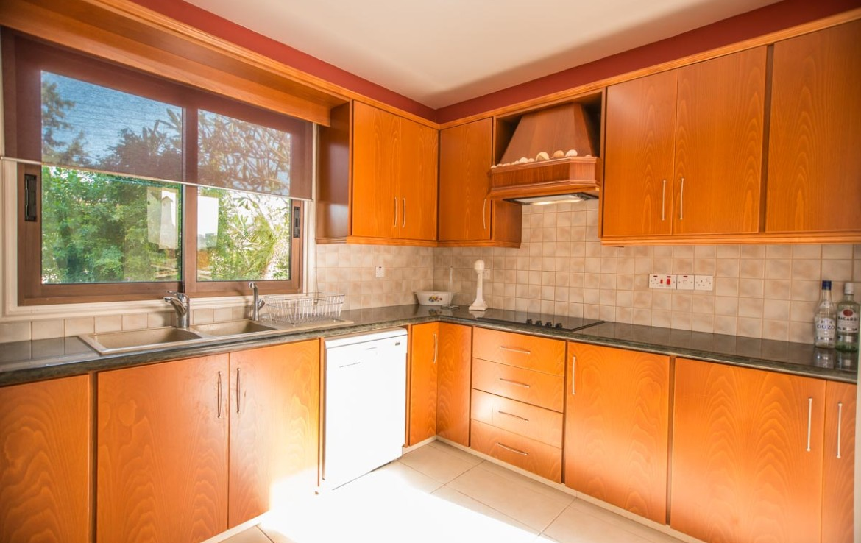 Кухня в доме в Каппарисе
