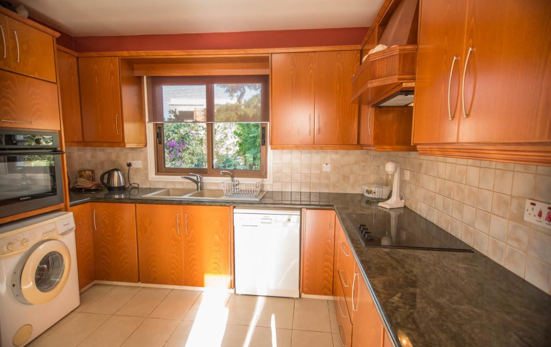 Кухня в доме на Кипре