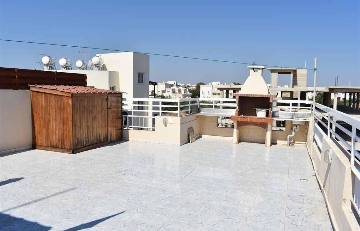 Двуспальная квартира с большой верандой в Каппарисе