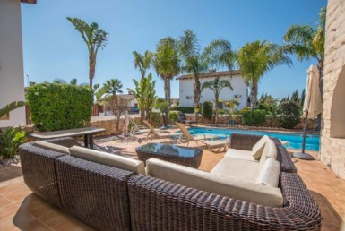 11-3-bed-villa-in-ayia-thekla