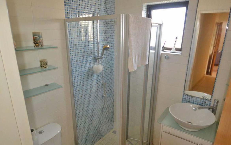 Ванная комната в квартире на продажу