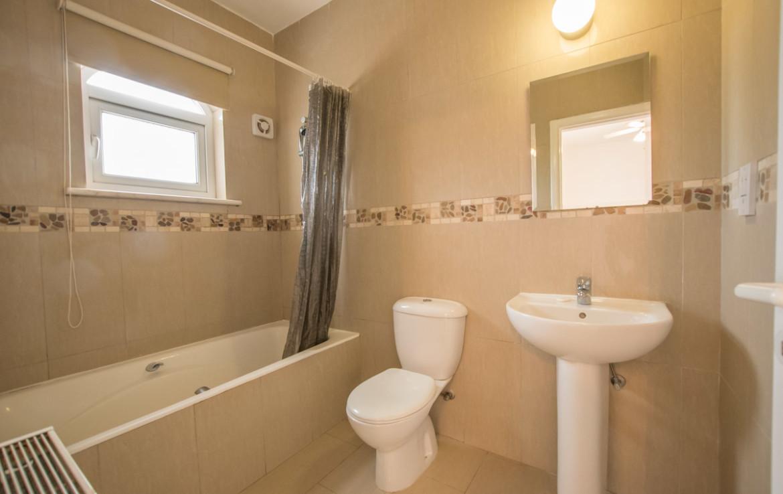 Ванная комната в доме на продажу