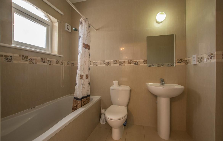 Ванная комната в бунгало на продажу