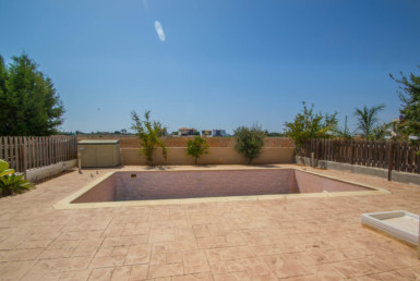 3-villa-for-sale-in-paralimn