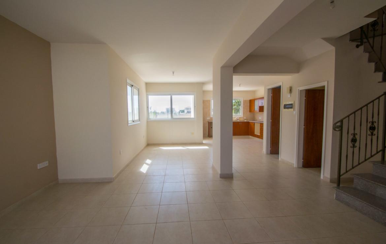 Гостиная область в доме на продажу в Паралимни