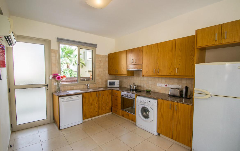 Кухня в трехспальном доме