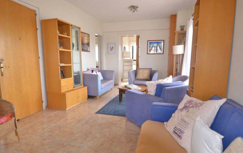 Гостиная в двуспальной квартире в Ларнаке