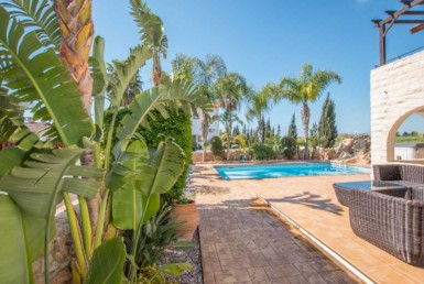 8-3-bed-villa-in-ayia-thekla
