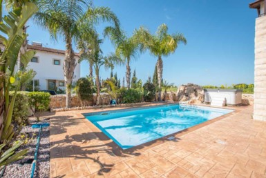 9-3-bed-villa-in-ayia-thekla