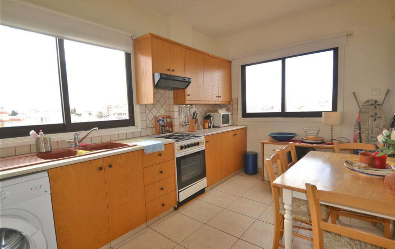 Отдельная кухня в квартире на продажу в Ларнаке