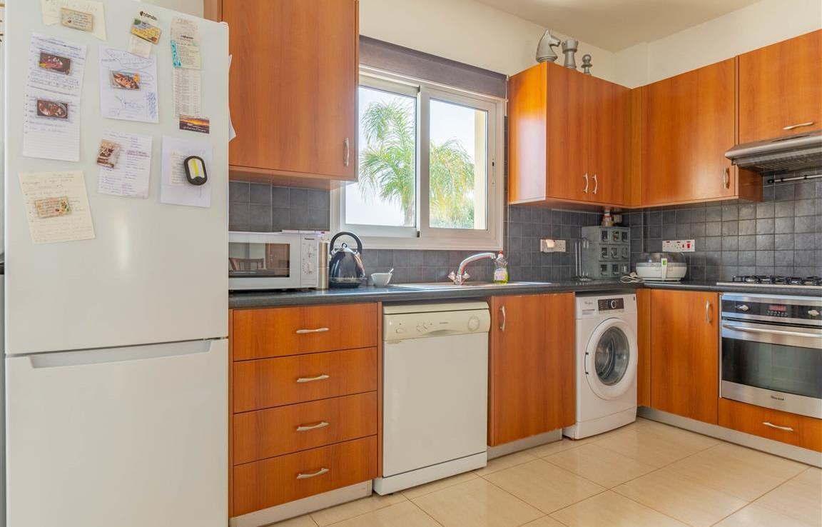Кухня в доме на продажу в Сотире