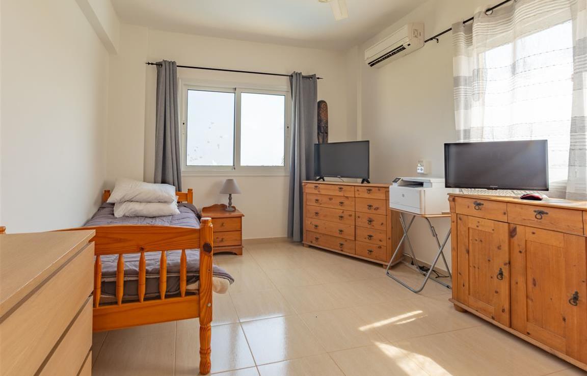 Спальня в доме на продажу в Сотире