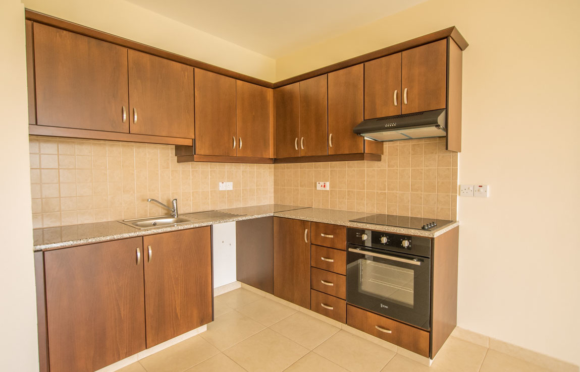 Кухня в апартаментах в городе Паралимни