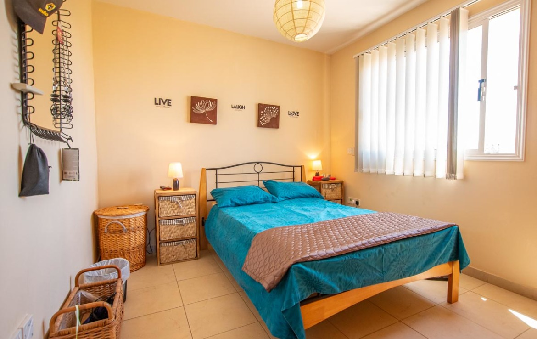 Спальня в квартире на продажу в Каппарисе