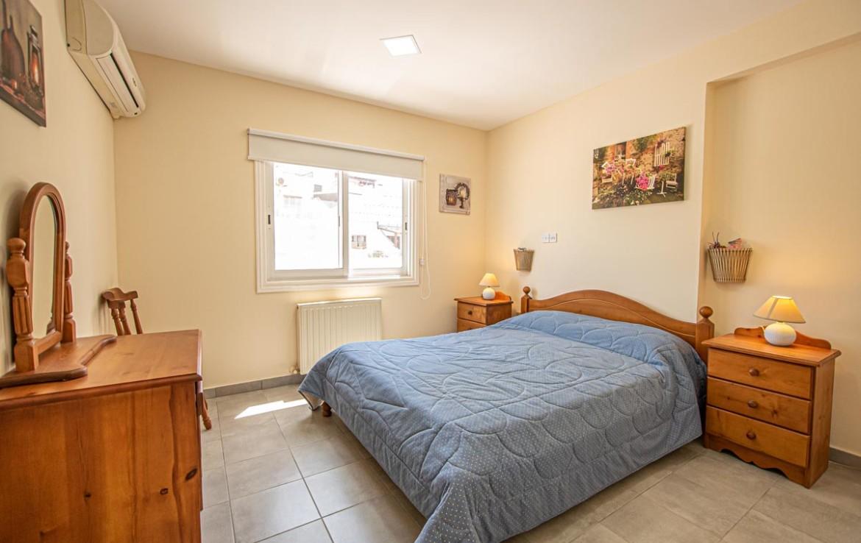 Спальня в квартире на продажу