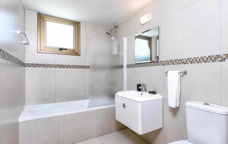 Ванная комнта в трехспальной вилле