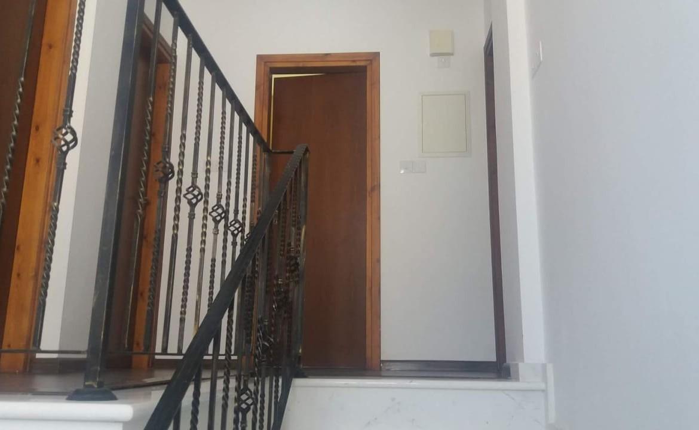 Лестница в доме в Айа напе