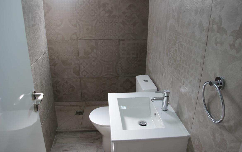 Ванная в квартире в Паралимни