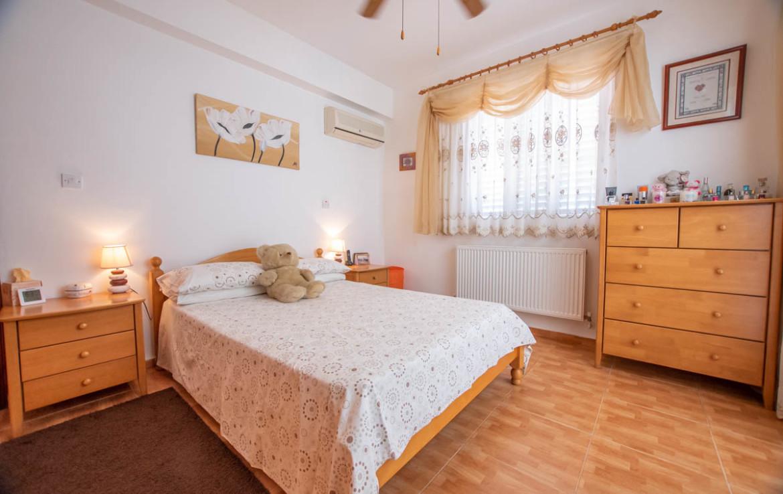 Купить дом во Врисуллес