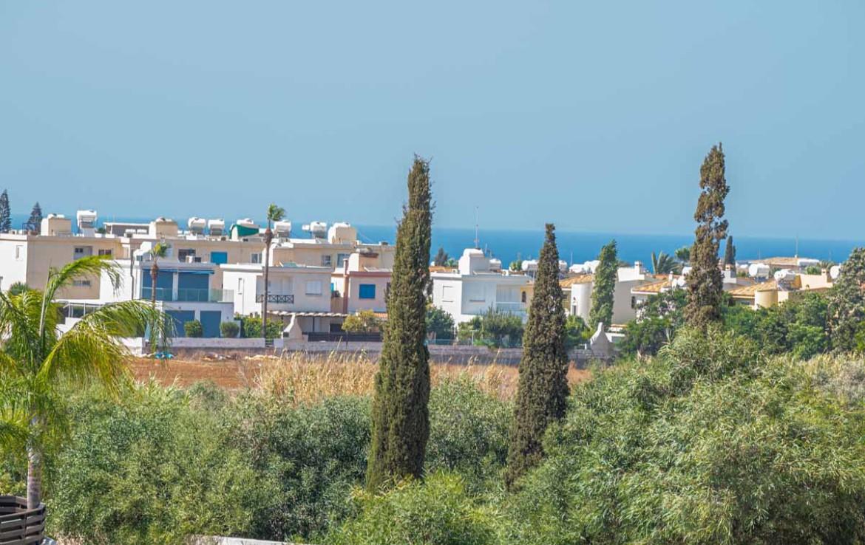 Купить апартаменты с видом на море