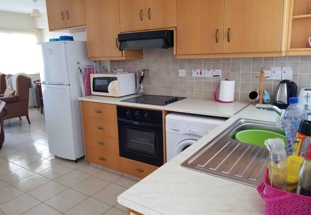 Кухня в трехспальной квартире
