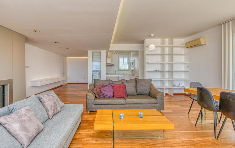 Уютная гостиная в трехспальной квартире
