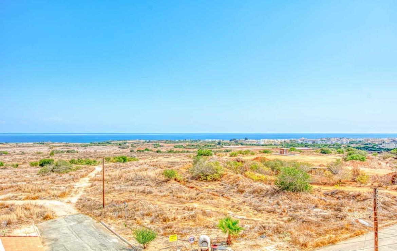 Вид на море из квартиры на Кипре