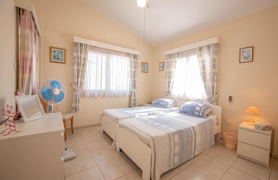 Спальня в доме на продажу в Айя Текле