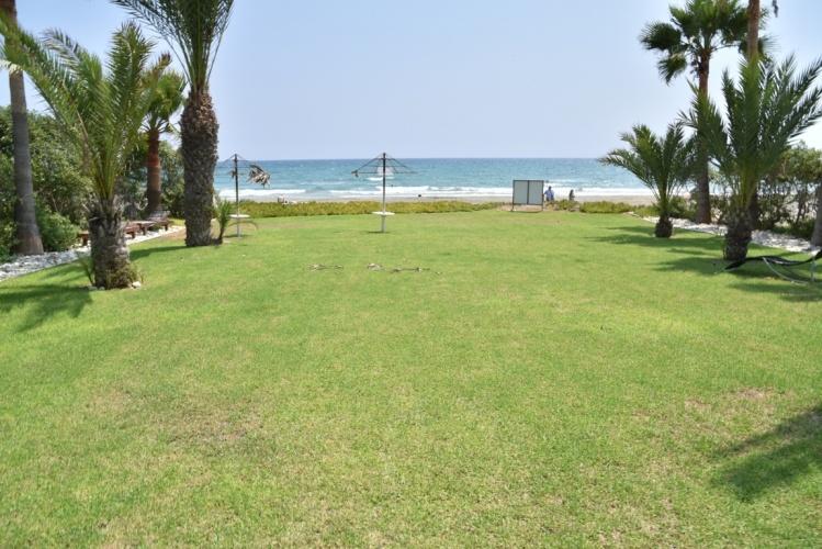 Купить виллу на берегу моря на Кипре