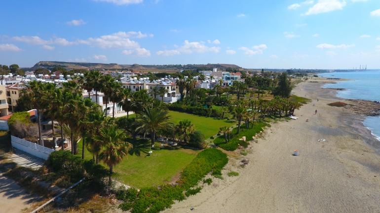 Вилла с видом на море на Кипре