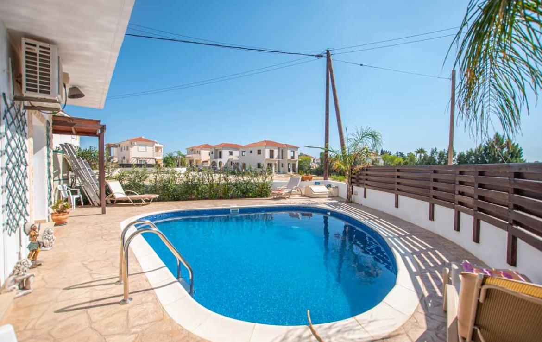 Жилье на Кипре Купить во Врисуллес