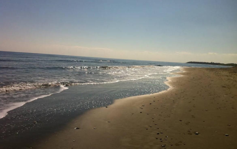 Пляж в Перволии