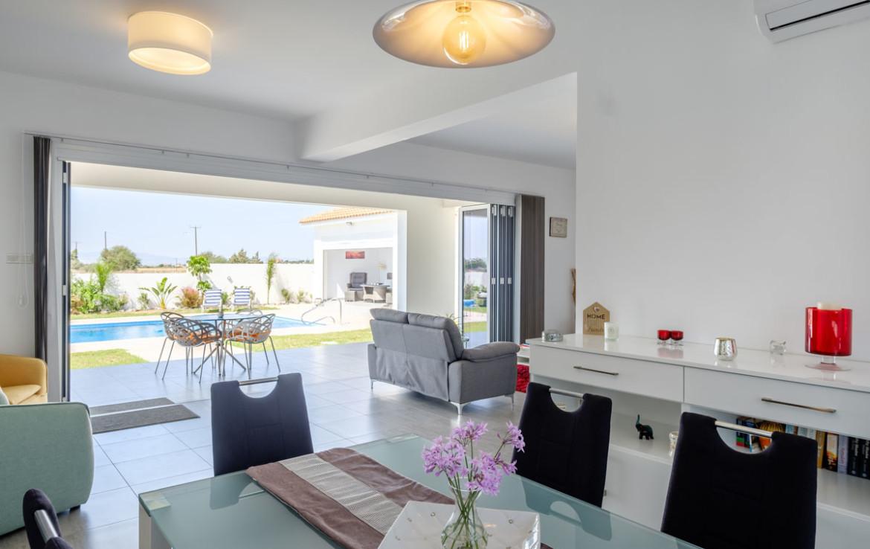 современный дом на Кипрне