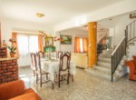 9-5-bed-house-in-paralimni-for-sale
