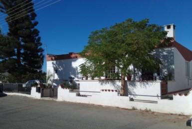 1-bungalow-in-frenaros-5078