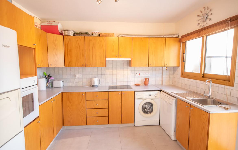 Паралимни апартаменты - кухня