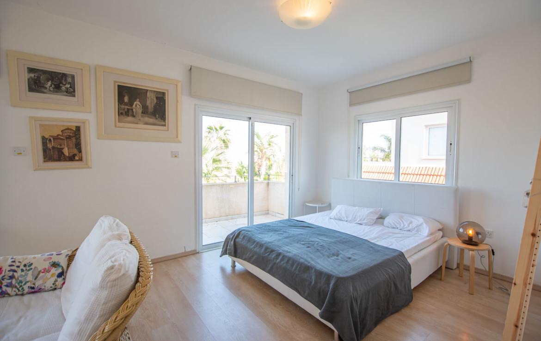 Кипр дома с бассейном - спальня