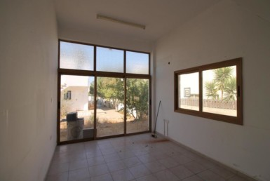 2-house-in-paralimni-5079