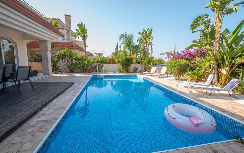 Кипр виллы с бассейном на продажу
