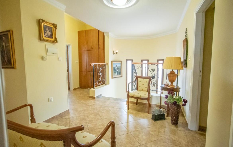 купить большой дом в Паралимни
