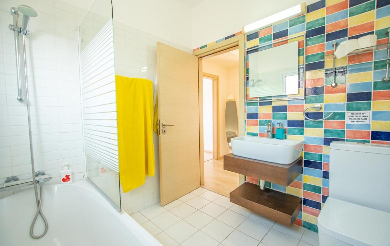Ванная комната в доме на продажу на Кипре