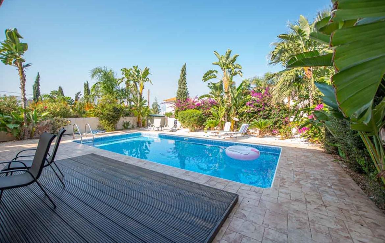 Кипр дома с бассейном