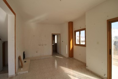 5-house-in-paralimni-5079
