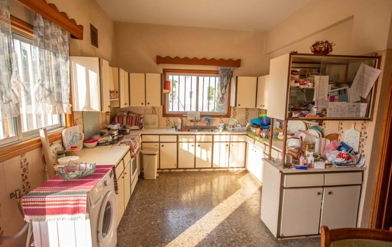 Купить дом в деревне - Кухня