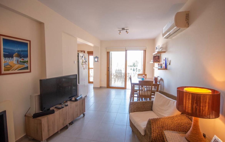 гостиная в квартире на продажу