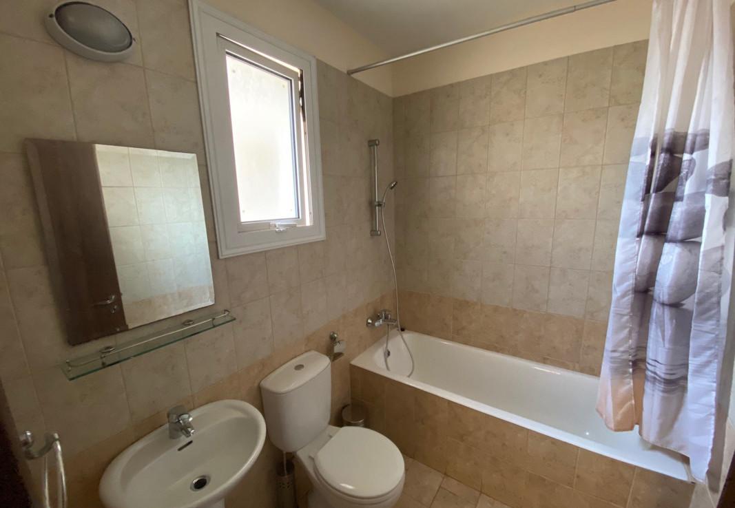Купить апартаменты в Паралимни - ванная