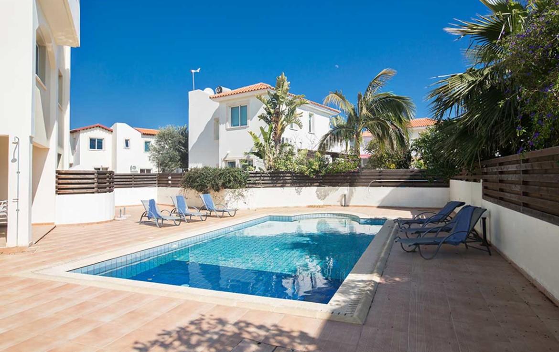 Купить апартаменты в Пернере - бассейн